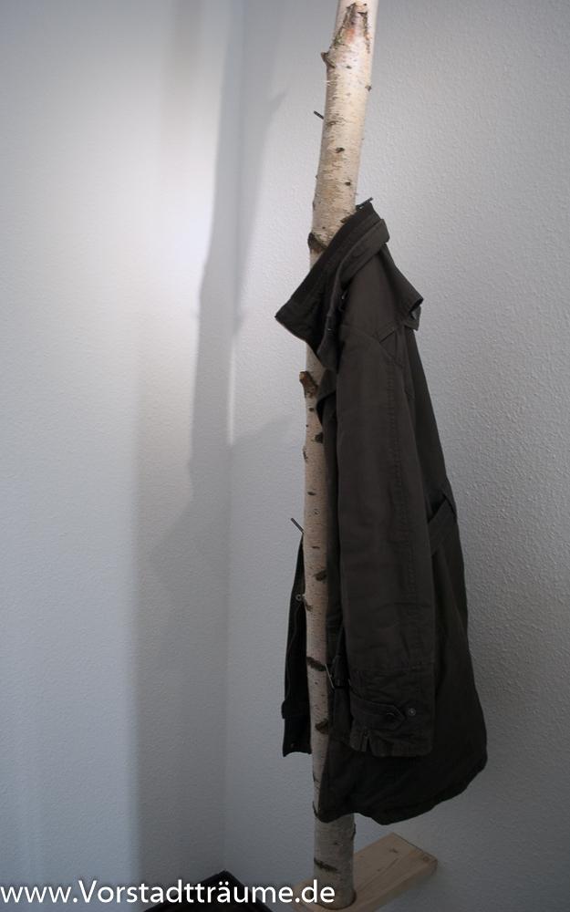 Garderobe aus einem birkenstamm vorstadt tr ume for Garderobe jacke